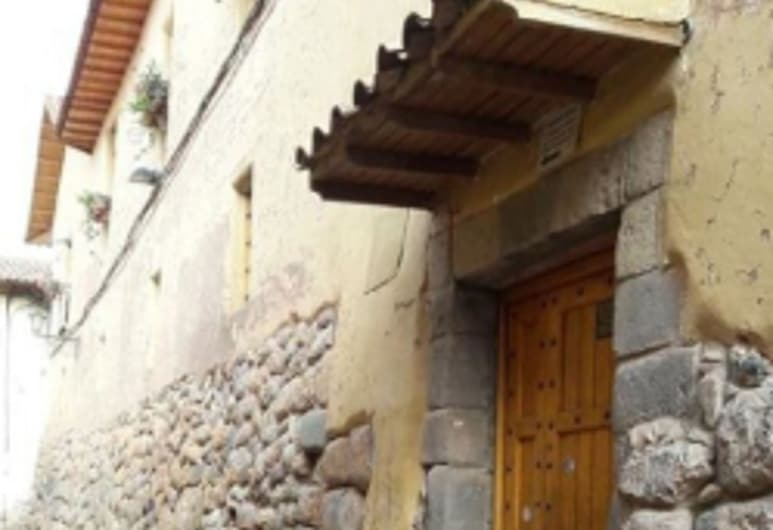 Brighit's House, Cusco, Hotel Entrance