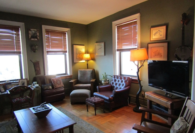 Stay in the Home of a Broadway Star! Minutes From NYC, نورث بيرجين, غرفة معيشة