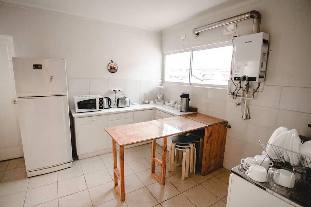 Quarto Familiar, Casa de Banho Privativa - Cozinha partilhada