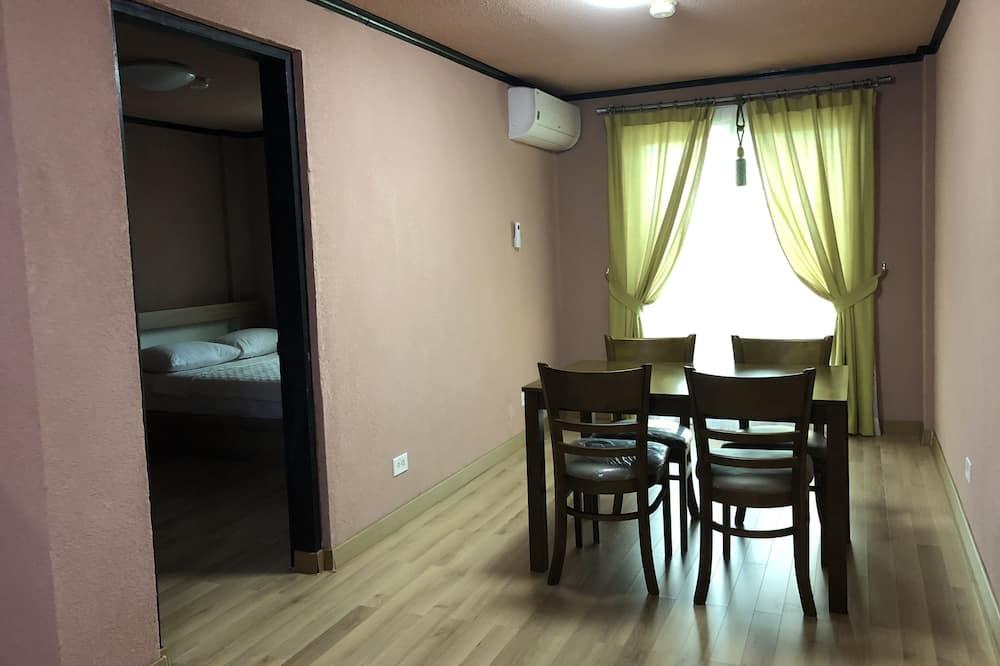 Habitación doble básica, 2 camas Queen size, para no fumadores, vista a la playa - Servicio de comidas en la habitación