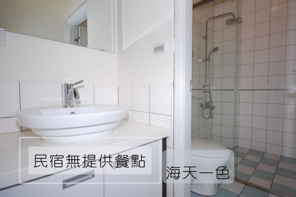 Family Quadruple Room, 1 Bedroom, Balcony, Ocean View - Bathroom