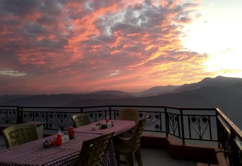 High Ground Inn and Rooftop Restaurant, Pokhara, Terrace/Patio