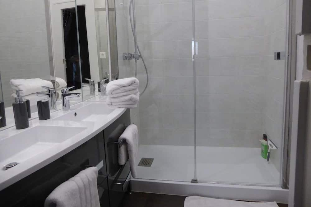 Suite (Des Baldaquins) - Bathroom