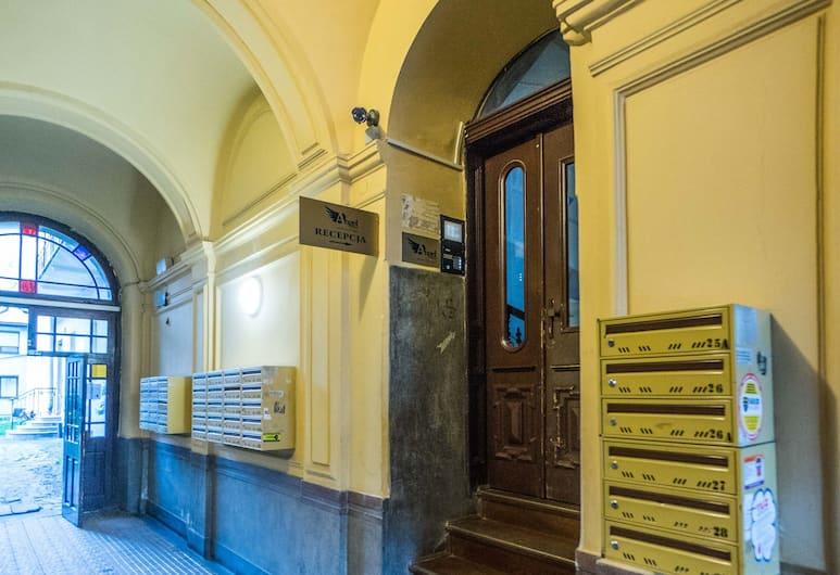 サン セバスティアン アパルタメント, クラクフ, 施設の入り口