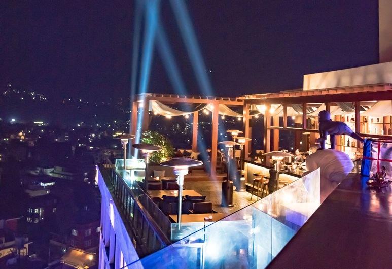 威萬塔加德滿都酒店, 勒利德布爾, 餐廳