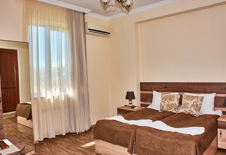 Guest House - MK, Gori, Kamar Double atau Twin Comfort, pemandangan kebun, Kamar Tamu