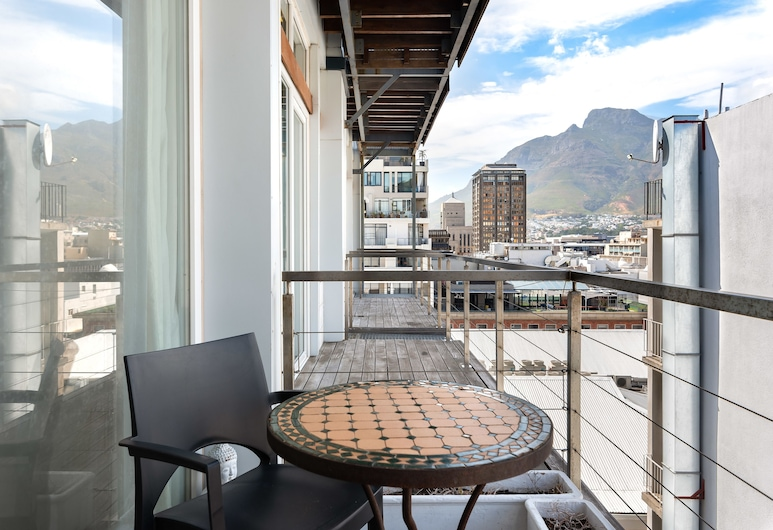 Penthouse 3 On Loop - Adults Only, Cape Town, Premier Apartment, 2 Queen Beds, Non Smoking, City View, Balcony