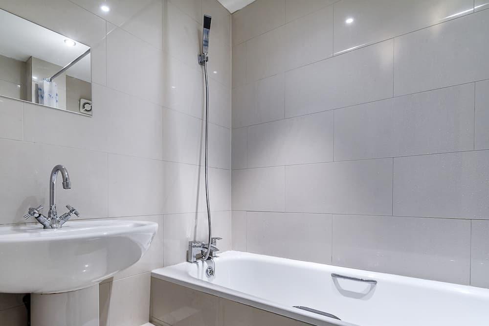 Paaugstināta komforta dzīvokļnumurs, privāta vannasistaba - Vannasistaba