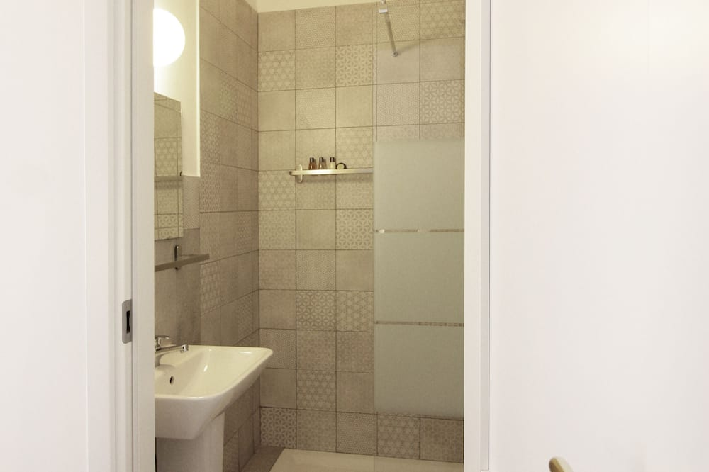 Kamar Double Mewah - Kamar mandi