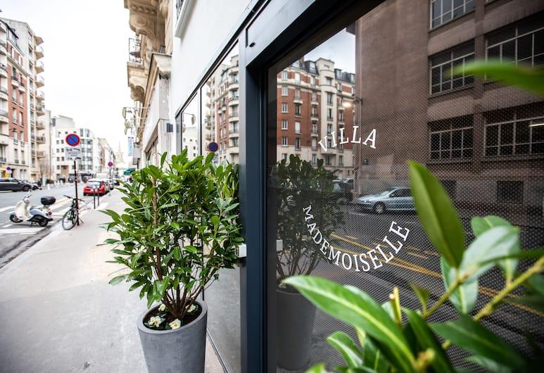 馬頓莫斯爾別墅酒店, 巴黎, 酒店入口