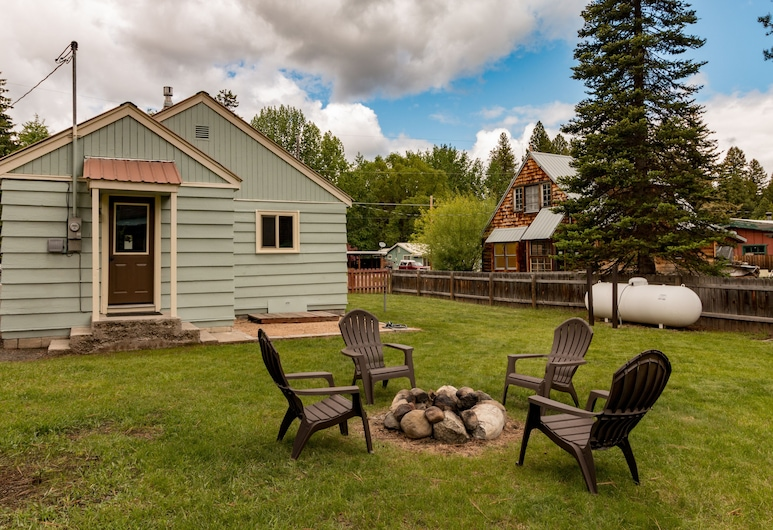 DOG Friendly Remodeled Cabin Steps TO Downtown With Private Yard, McCall
