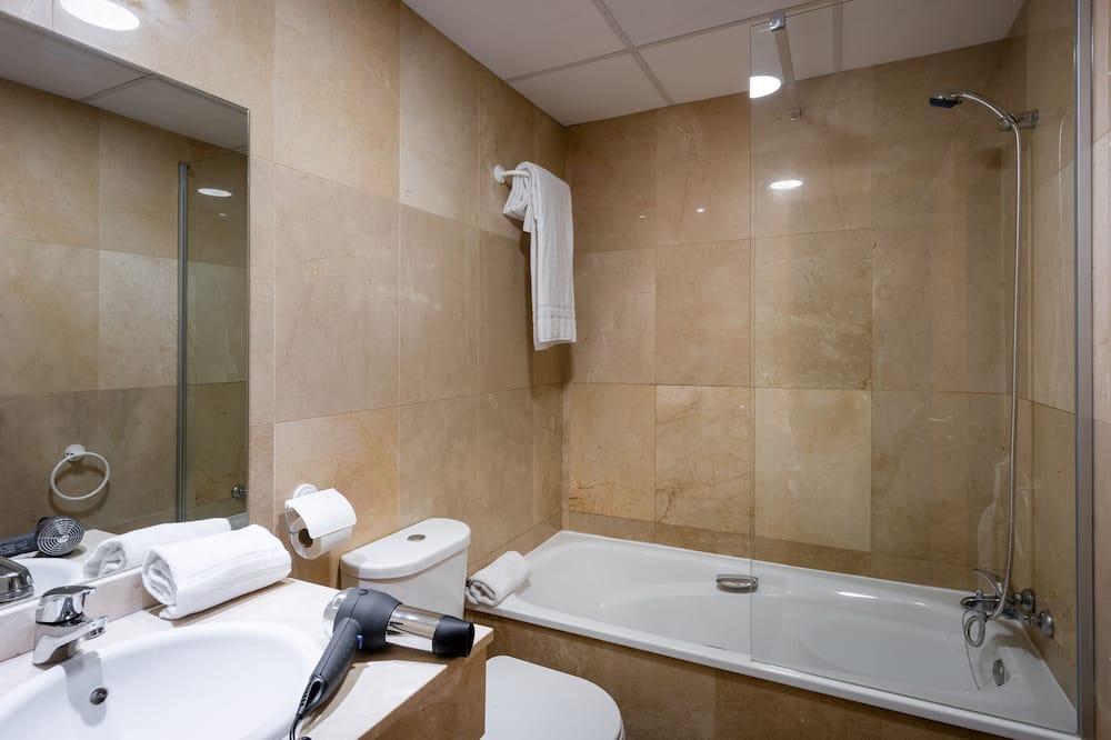 Apart Daire, 1 Yatak Odası (2AD+1CH) - Banyo