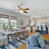House, 5 Bedrooms, Kitchen - In-Room Dining