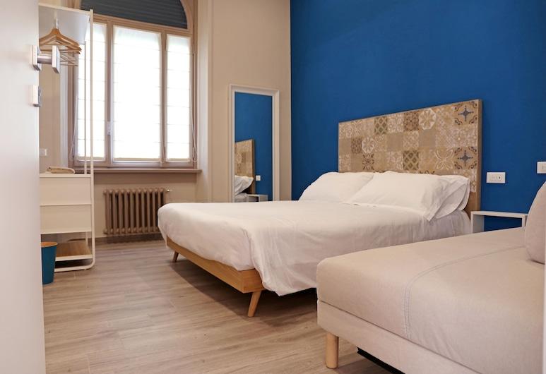 APP9 Bergamo, Bérgamo, Habitación triple Confort, baño privado (External), Habitación