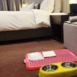 Suite, 1 King Bed, Non Smoking (Pet Friendly) - Living Area