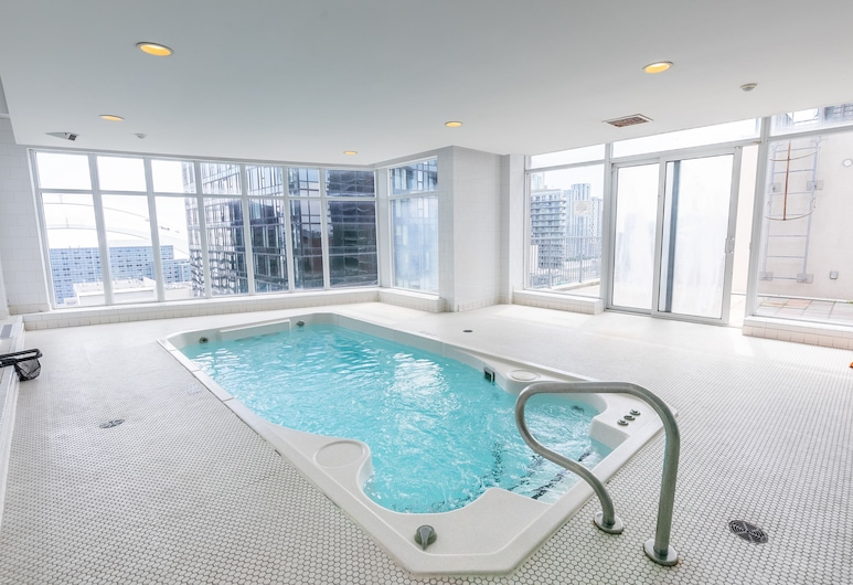 Simply Comfort, Stylish Downtown Apartment, Toronto, Fitness Facility