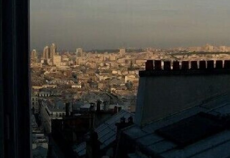 Refined Apartment With Incredible View On Sacré Coeur Basilic And Paris Roofs, Paris, Balcony