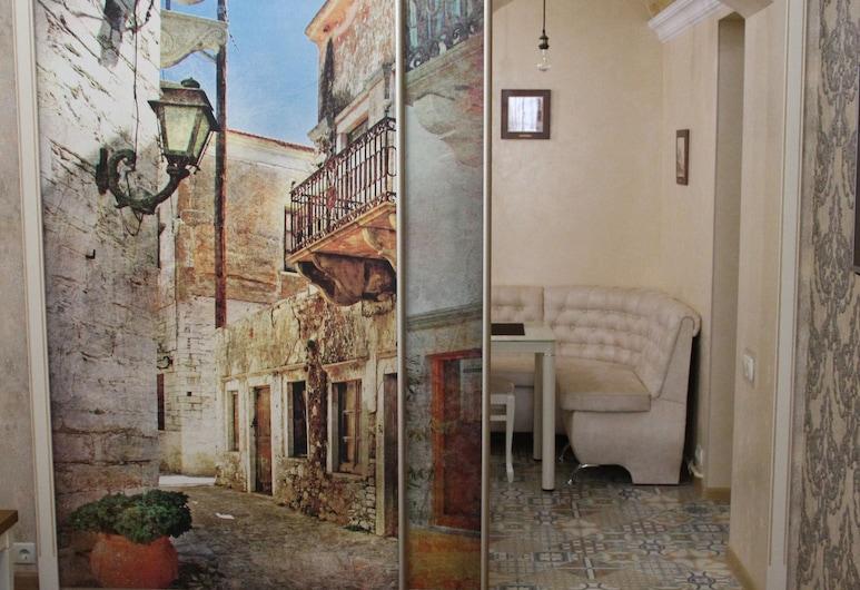 TsaTsa Hotel, Odessa, Apartment, 1 Bedroom, Courtyard View, Guest Room
