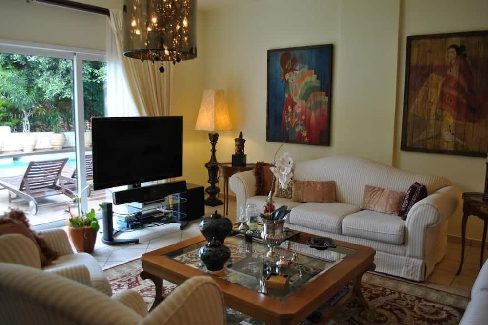 Villa, 3 Bedrooms, Bay View - Living Room