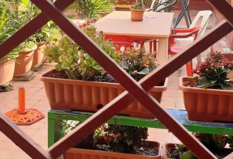 Case Nicotera, Naples, Apartment, 3 Bedrooms, 2 Bathrooms, Terrace/Patio