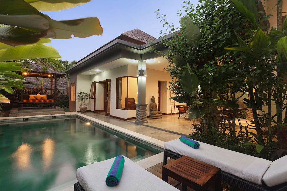1 Bedroom Pool Villa sleeps 2 near ECHO Beach Canggu, Housekeeping staff