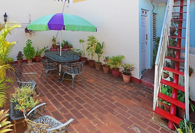 Casa Cecilia, Trinidad, Hiên