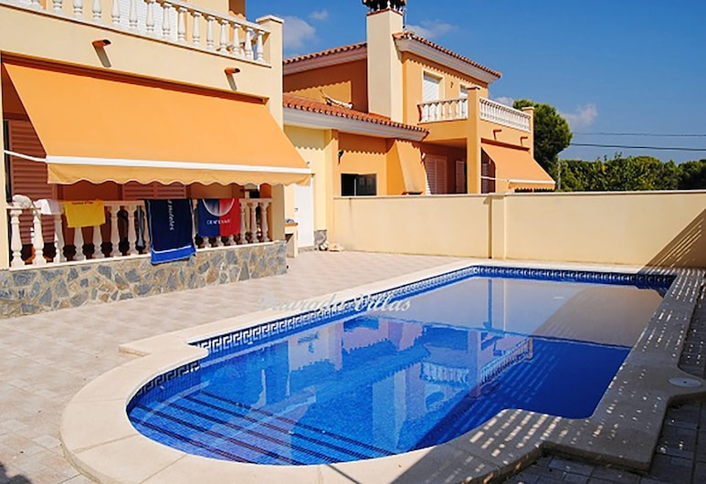 Villa With 3 Bedrooms in Les Tres Cales, With Private Pool, Enclosed Garden and Wifi - 300 m From the Beach, L'Ametlla de Mar