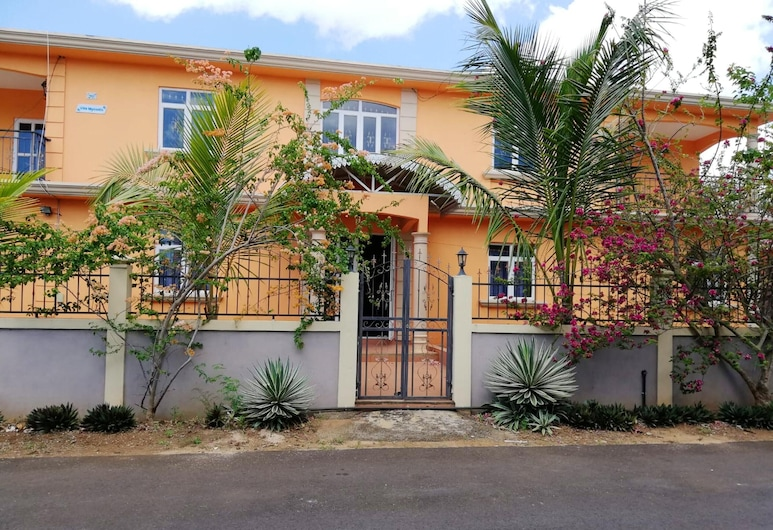 Apartment With 2 Bedrooms in Trou-aux-biches, With Enclosed Garden and Wifi - 300 m From the Beach, Trou aux Biches