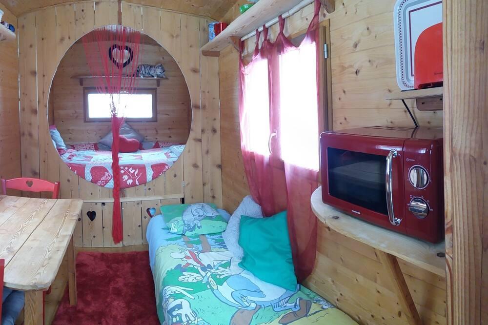 Room (Tourtereaux) - Ruang Tamu