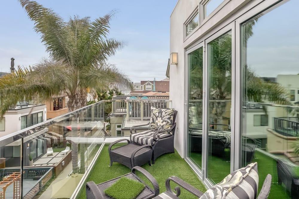 Ferienhaus, Mehrere Betten (Newest House On The Court! LEED PLATI) - Balkon