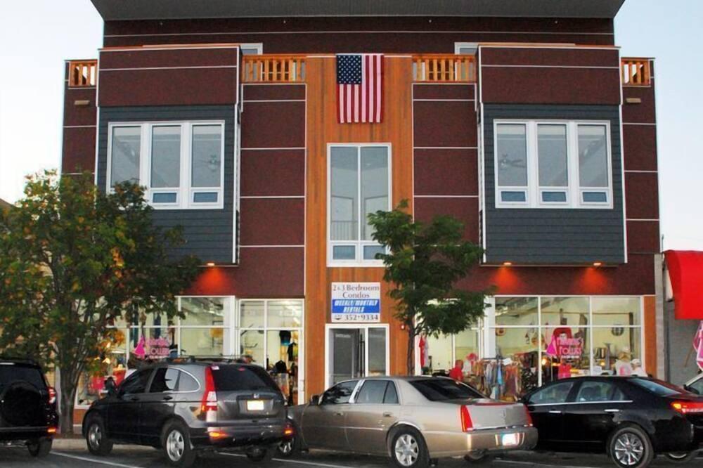 Διαμέρισμα (Condo), Περισσότερα από 1 Κρεβάτια (Downtown Condo with LAKE & BAY VIEW) - Πρόσοψη καταλύματος