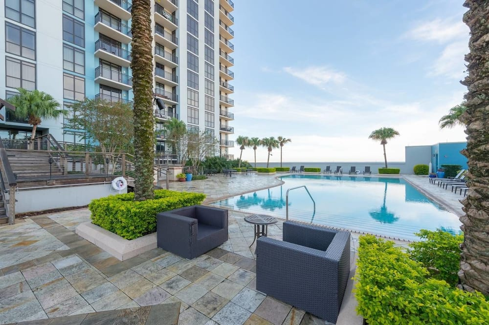 Condo, 1 King Bed (STUNNING LAKE EOLA VIEW SKY-RISE PENT) - Terrace/Patio