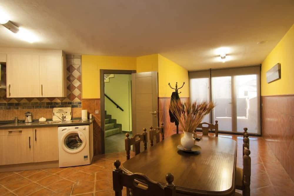 House, 3 Bedrooms, Terrace - In-Room Dining
