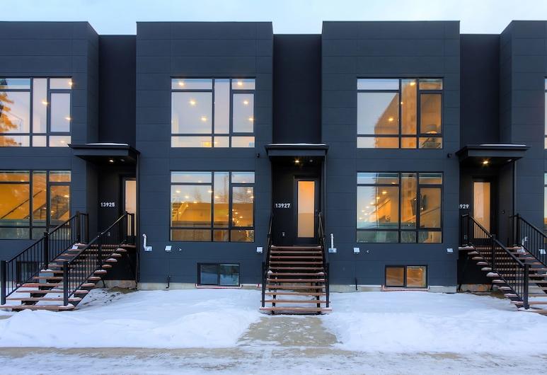NEW LUXURY TOWNHOME 27, Edmonton, Boendets framsida