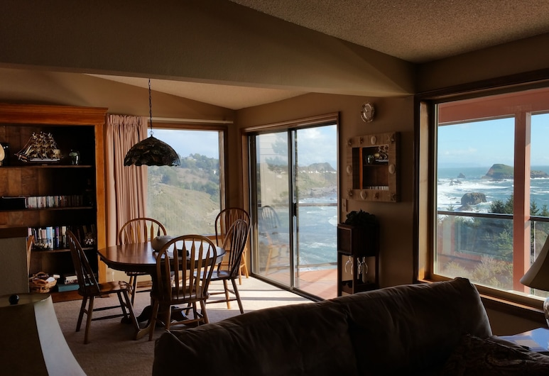 Luxurious Oceanfront Condo Spectacular View, Private Beach Access, Free Day!, Brookings, Svetainė
