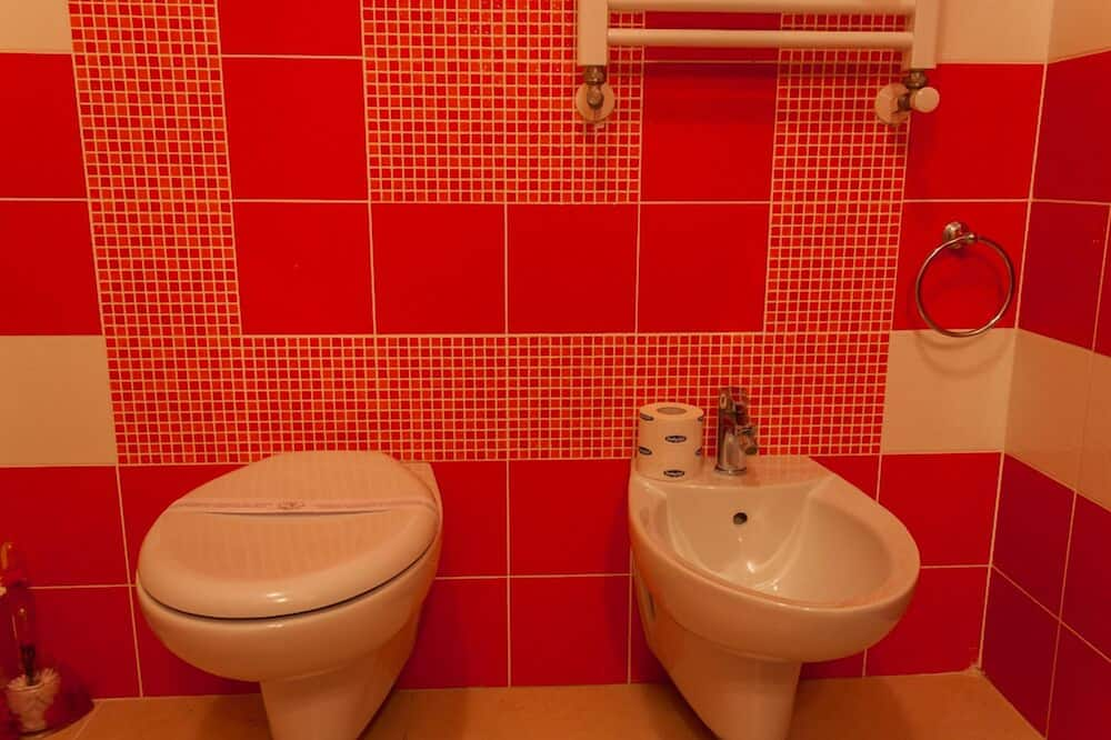 Twin Room, 2 Twin Beds, Terrace - Bathroom
