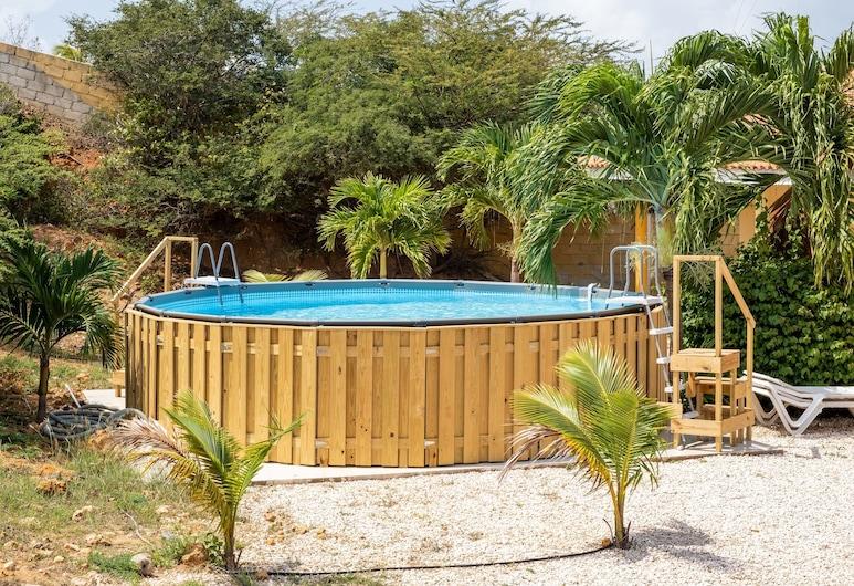 Ruim Appartement Voor Vier tot zes Personen in Tropische Villa, Daniel, Zwembad