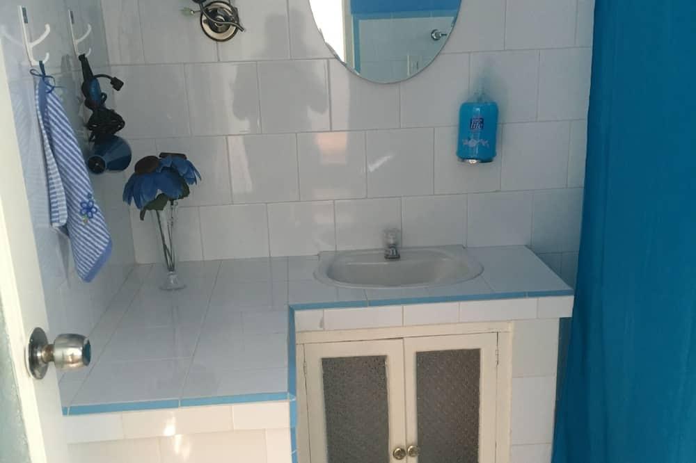 Chambre, 2 lits doubles, non-fumeurs - Salle de bain