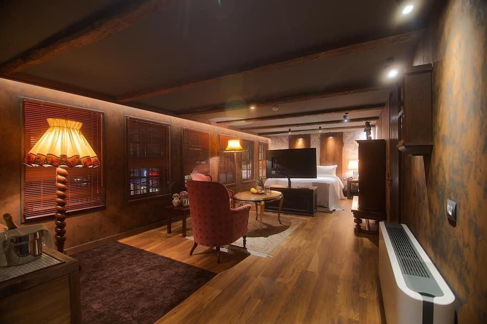 Suite Mewah, 1 Tempat Tidur King, non-smoking, pemandangan kota - Area Keluarga