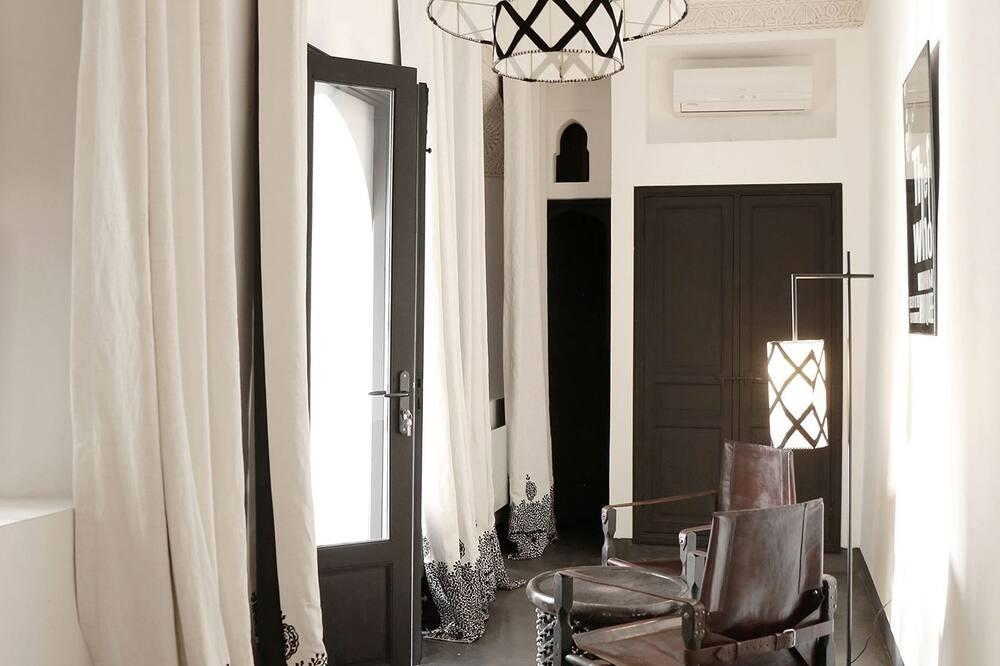 Deluxe Double Room (Shahd) - Oturma Alanı