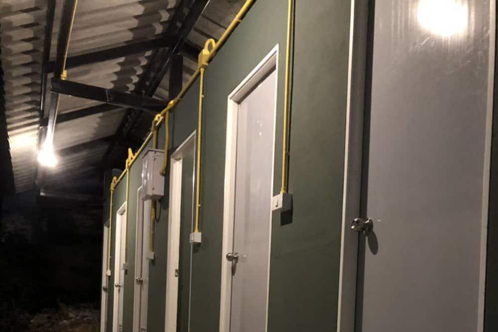 14-Bed Mixed Dormitory Room - Bilik mandi