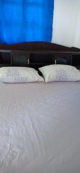 Naktsmītnes Sunshine Home - Hostel - Adults Only attēls vietā Phanana