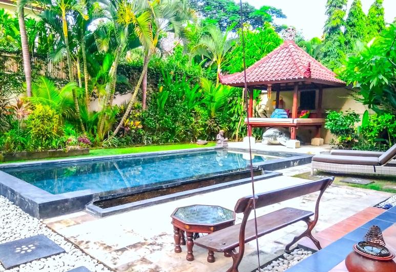 Villa Tristan - Private Pool Balcony Gazebo, Seminyak
