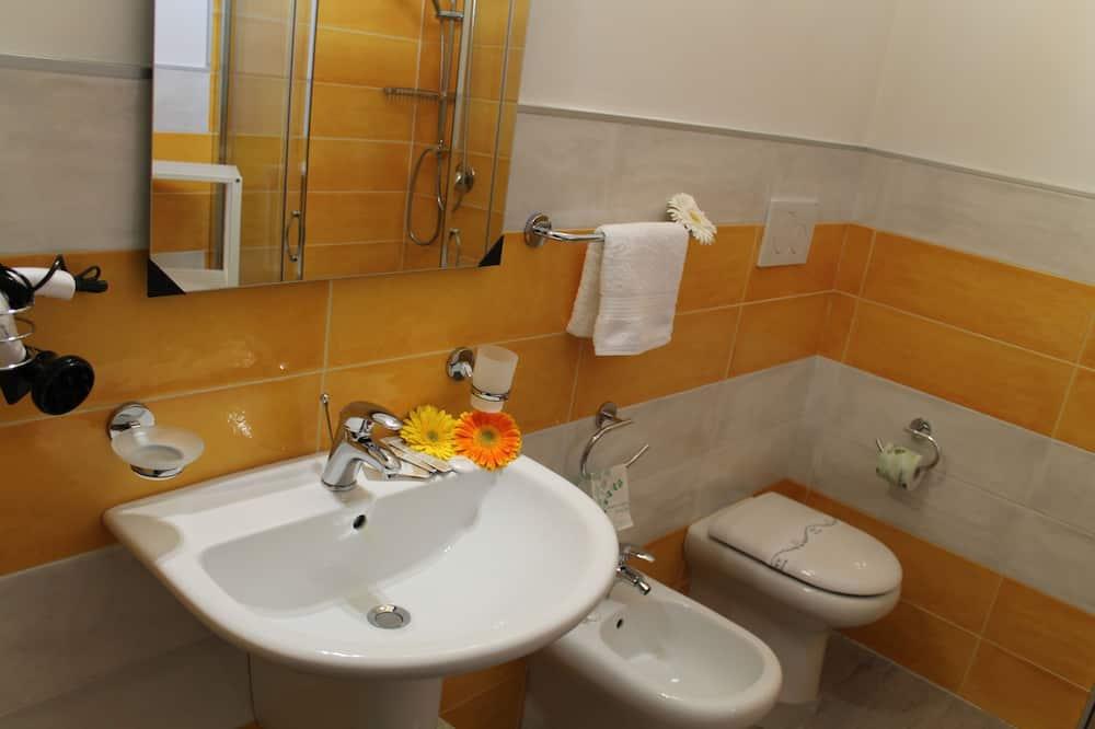 基本四人房 - 浴室
