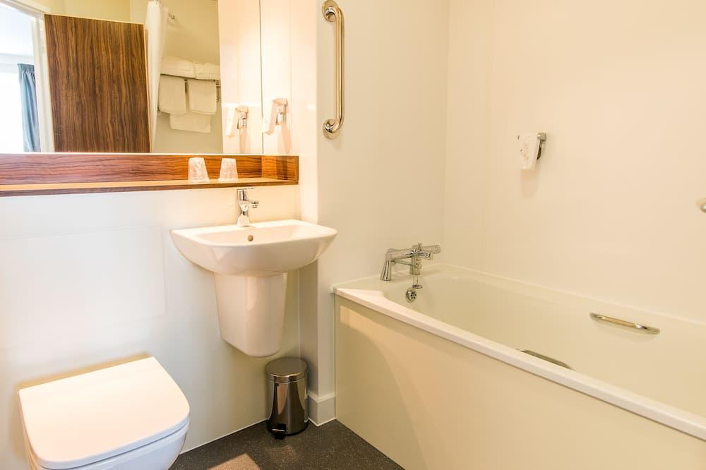 Izba s dvojlôžkom alebo oddelenými lôžkami - Kúpeľňa