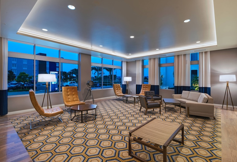 TownePlace Suites by Marriott San Diego Airport/Liberty Station, San Diego, Lobby