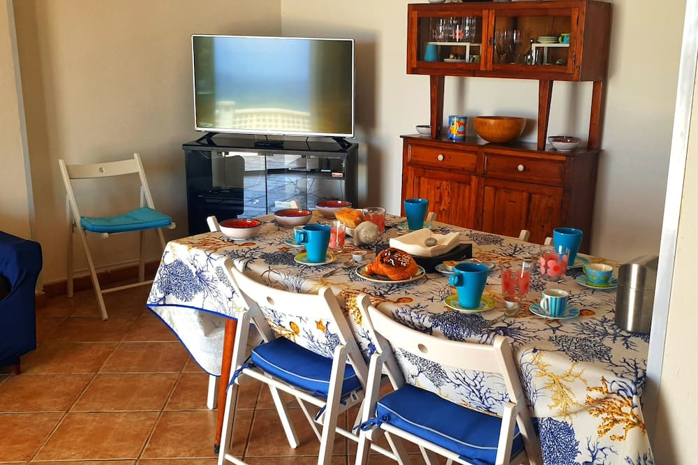 Villa, 2 Yatak Odası, Veranda, Deniz Manzaralı - Oturma Alanı