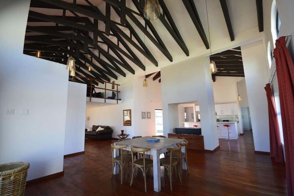 Family Apartment, 3 Bedrooms (Casa Spek) - In-Room Dining