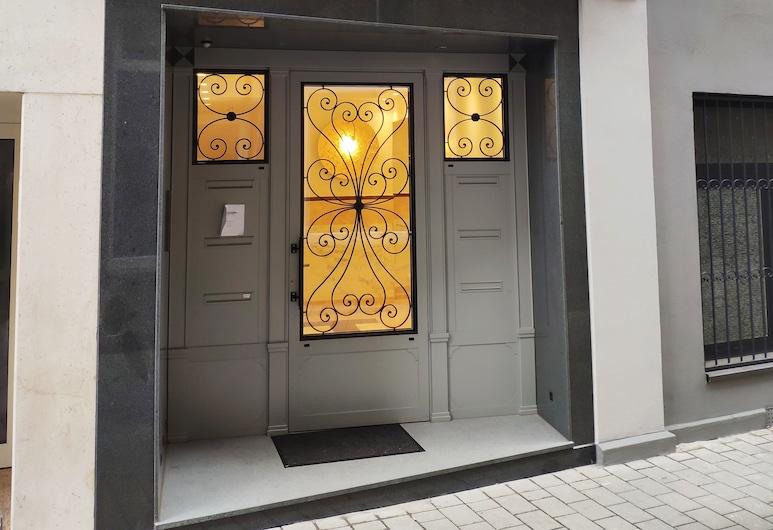 Kriemhilde Depandance, Worms, Interior Entrance