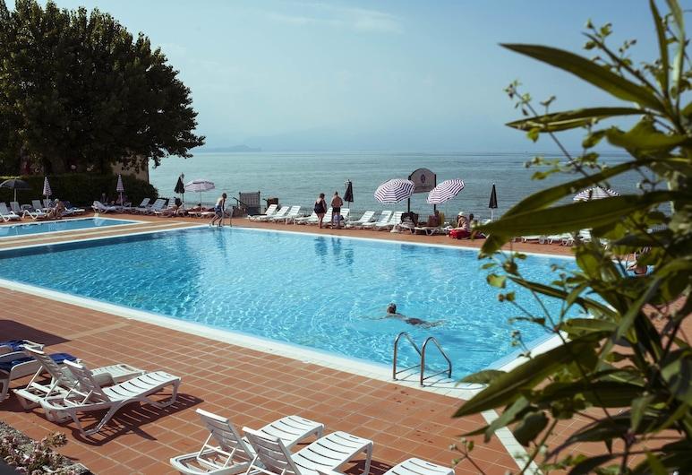 维也纳平房露营饭店, 佩斯基耶拉 , 室外游泳池